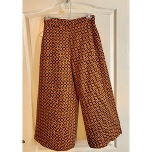 High-waisted multicolored wide legged pants